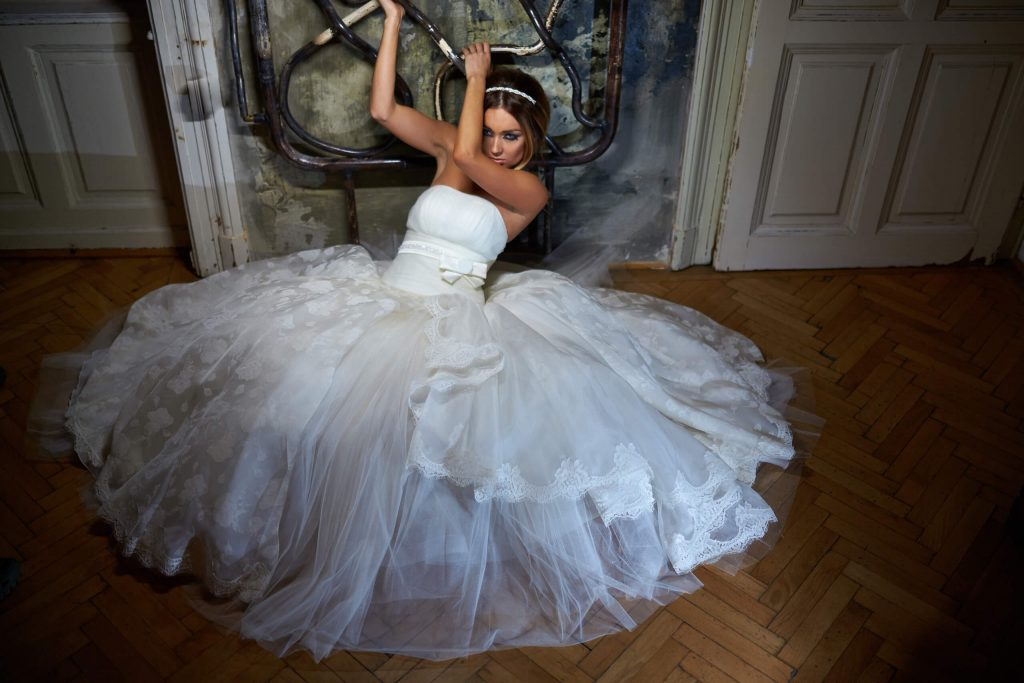 belavari-zita-eskuvoi-ruha-glamour-g1509-2
