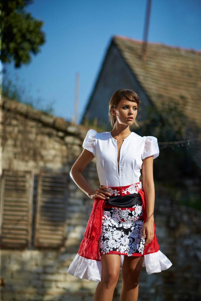 belavari-zita-mint-a-matka-matyo-viselet-M1702-0