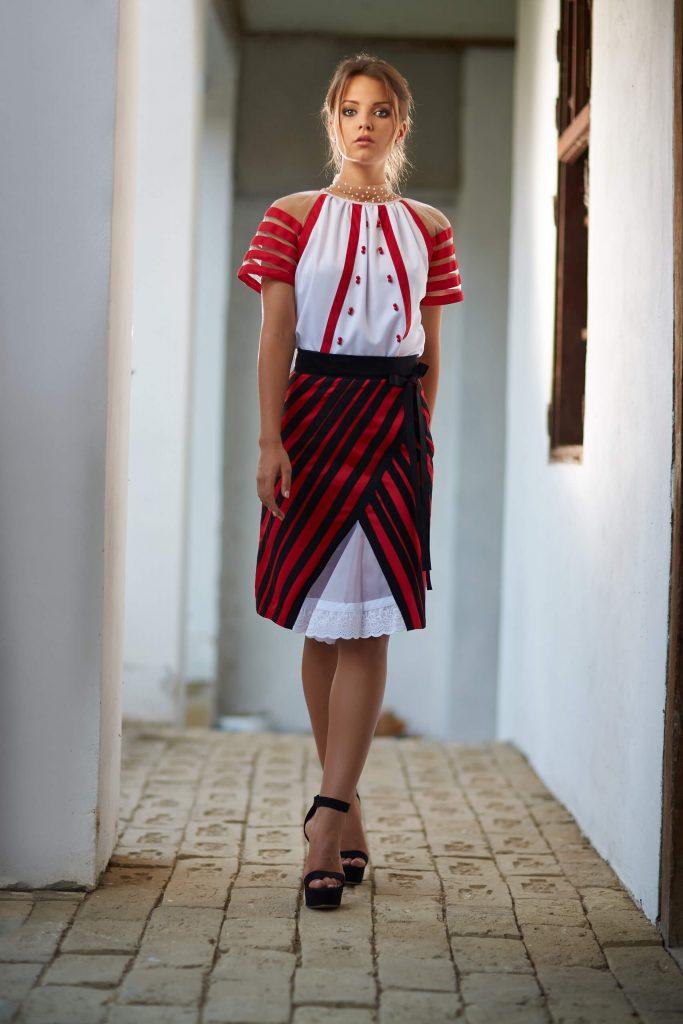 belavari-zita-mint-a-matka-moldvai-csango-viselet-M1705-2