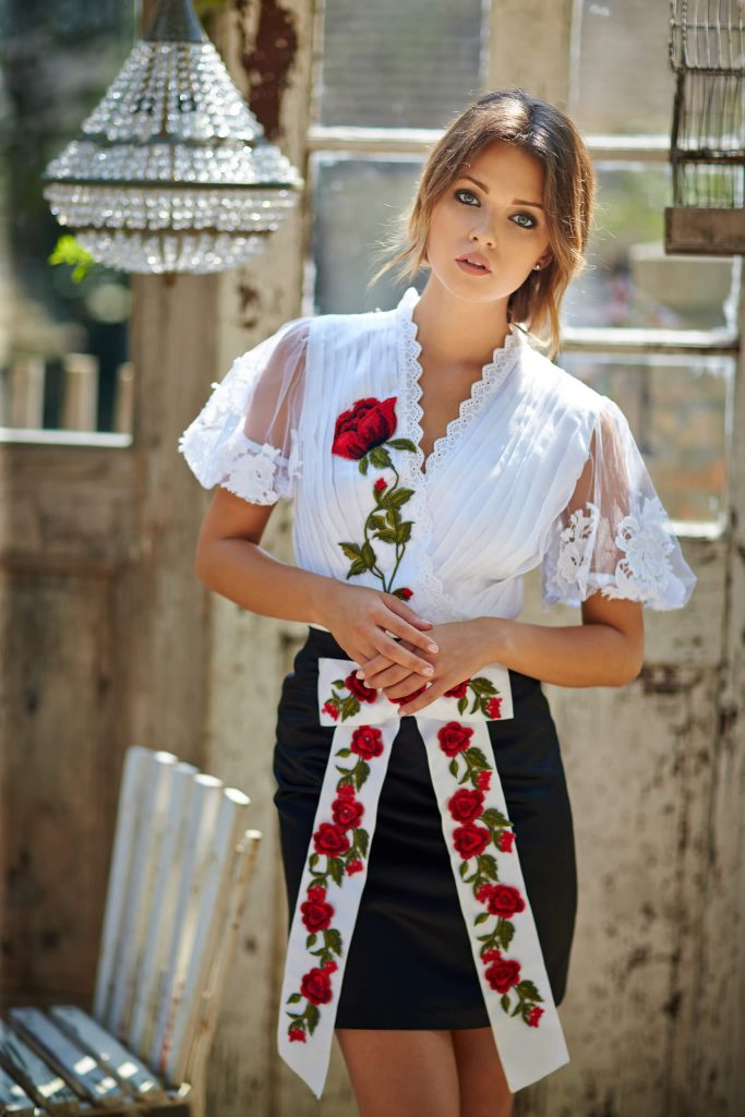 belavari-zita-mint-a-matka-rimoci-viselet-M1708-0