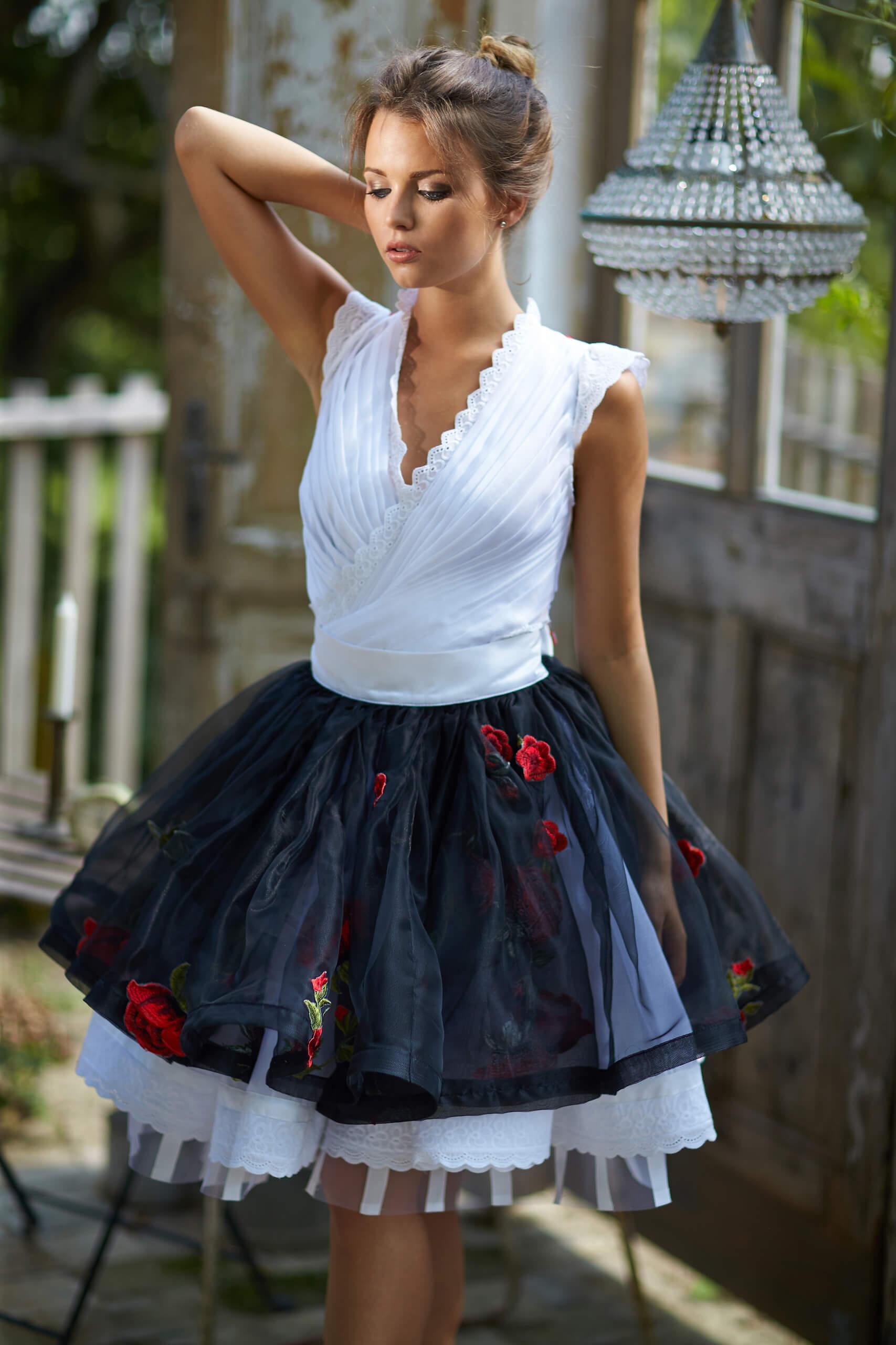 b14922d616 2019 Bélavári Zita Couture. Wedding & Casual Fashion. 0 ...