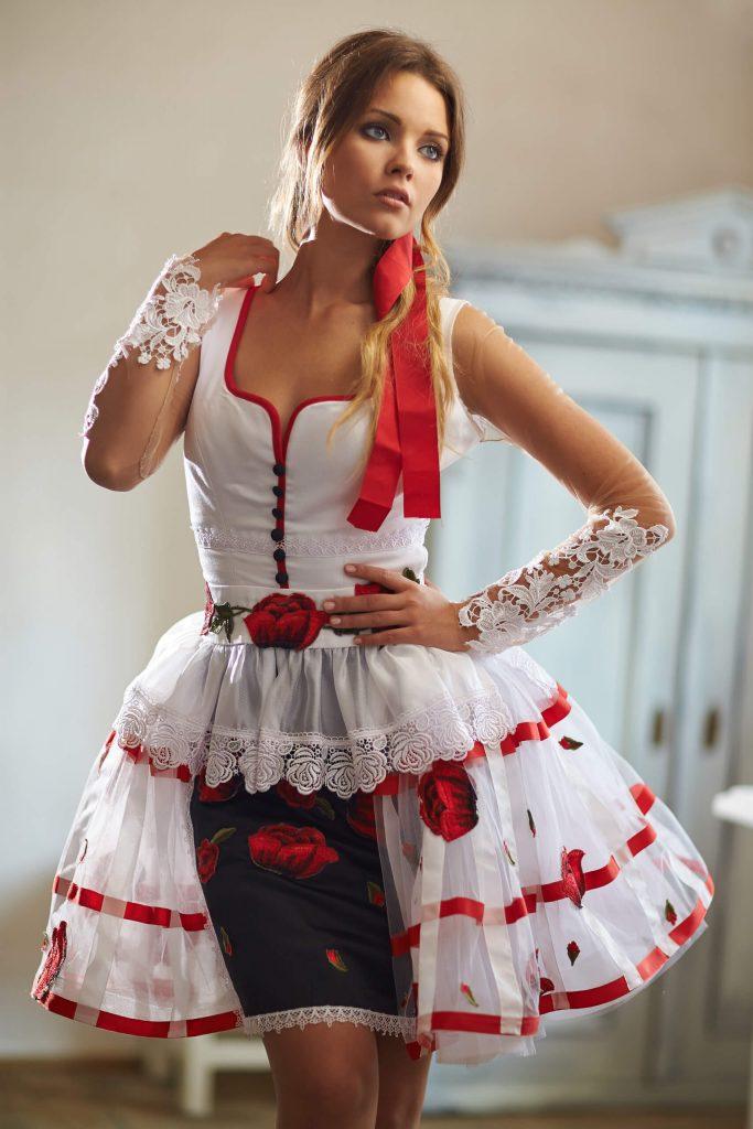 belavari-zita-mint-a-matka-sioagardi-viselet-M1711-1