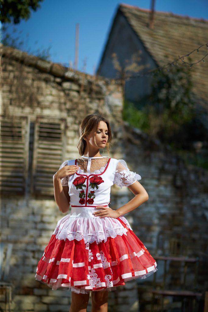 belavari-zita-mint-a-matka-sioagardi-viselet-M1712-1
