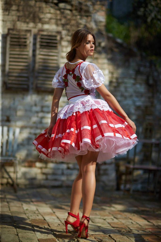 belavari-zita-mint-a-matka-sioagardi-viselet-M1712-2