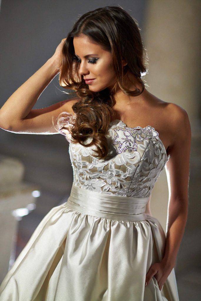 belavari-zita-eskuvoi-ruha-glamour-g1409-0