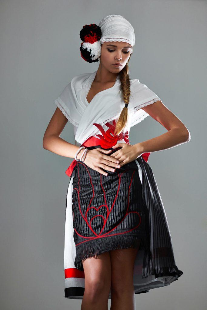 belavari-zita-mint-a-matka-matyo-viselet-m1604-3