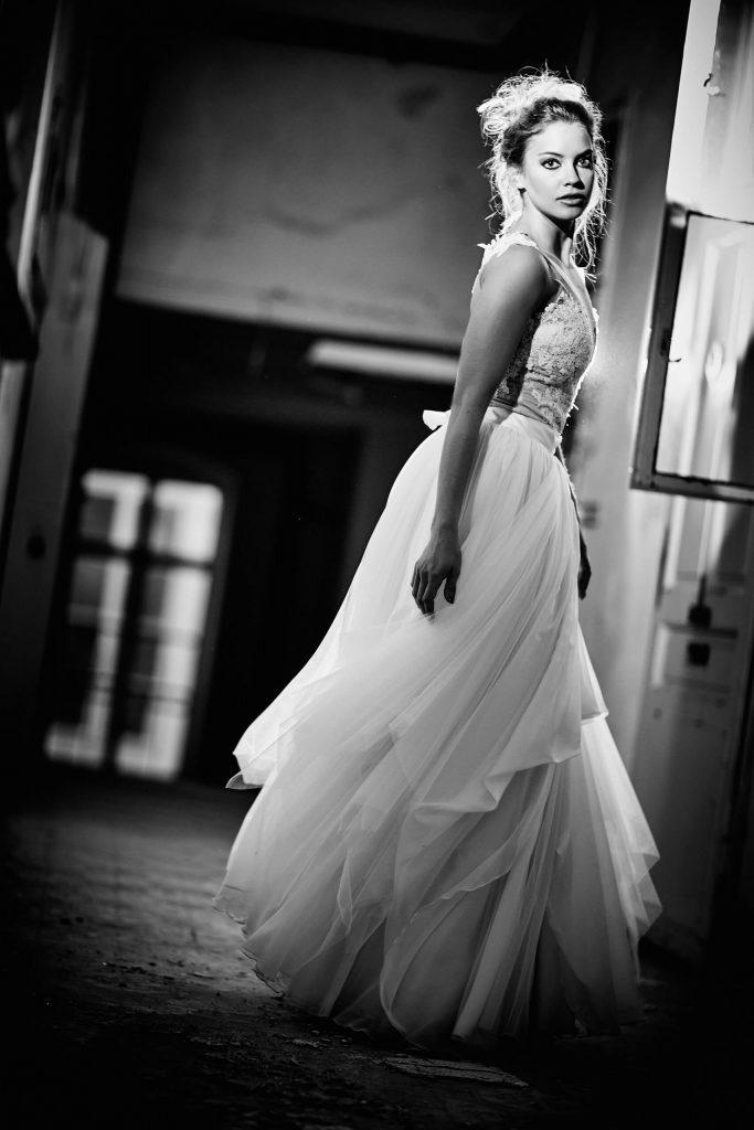 belavari-zita-eskuvoi-ruha-glamour-g1713-2