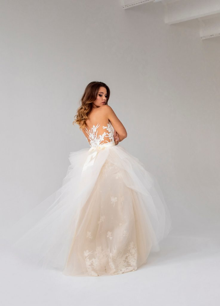belavari-zita-eskuvoi-ruha-glamour-g1913-3