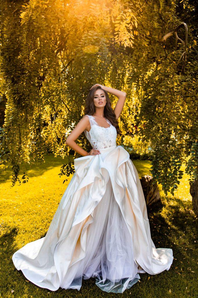 belavari-zita-eskuvoi-ruha-deluxe-d2009-1